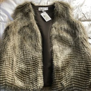 BB Dakota fur vest
